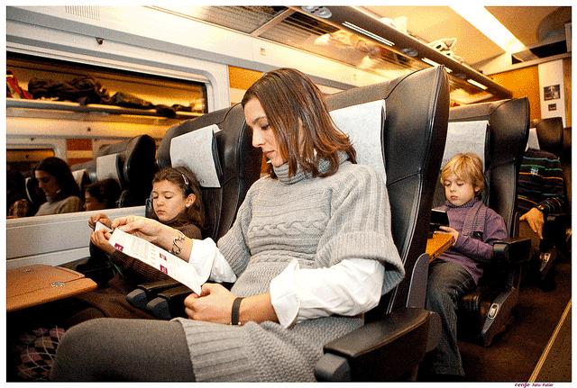 Viajando en tren con niños.png