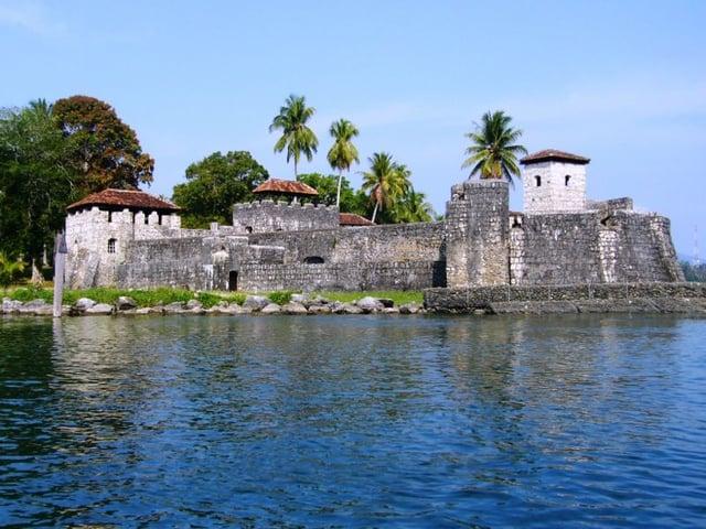 Viajes a Puerto Barrios Castillo de San Felipe