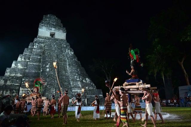 Vuelos a Tikal Gran Jaguar.jpg