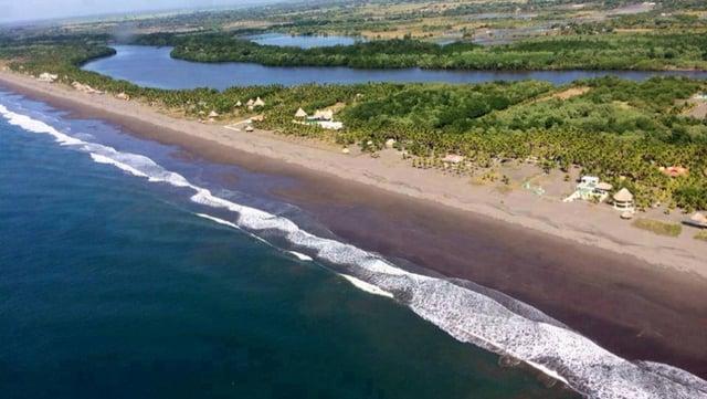 Vuelos a Guatemala Playa las lisas.jpg