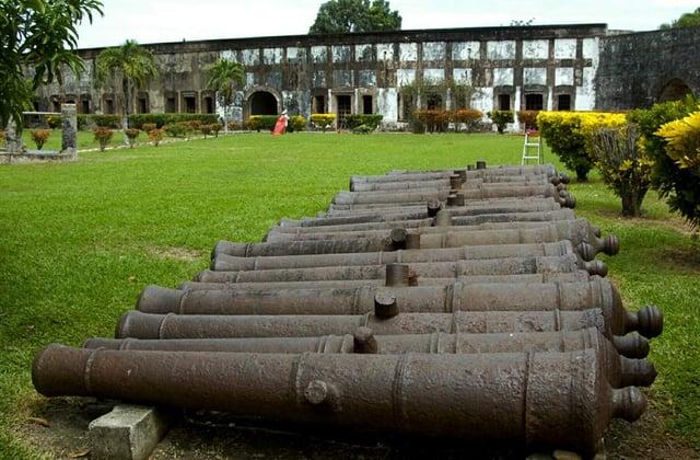 Vuelos a Guatemala Fortaleza Omoa.jpg