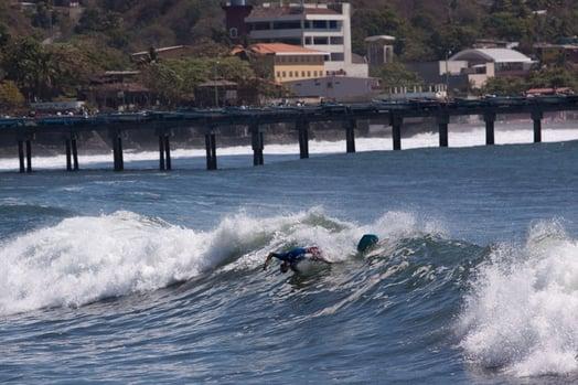 Vuelos a El Salvador La Paz.jpg