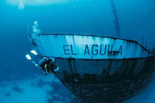 Vuelos a Roatán Naufragio El Aguila.jpg