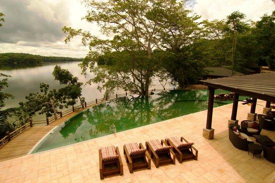Vuelos a Tikal las lagunas boutique.jpg