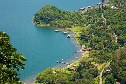 Lago Coatepeque.jpg