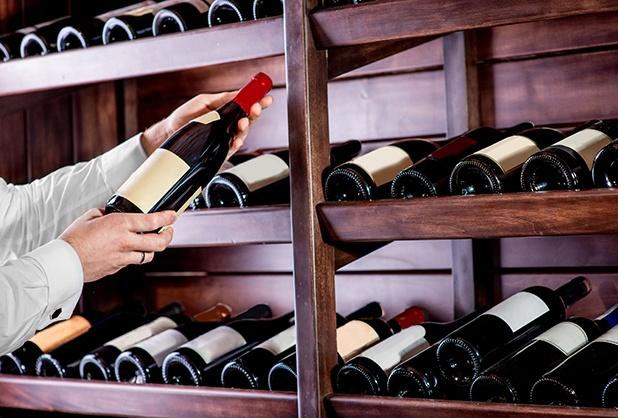 Vuelos a Roatán, elegir un buen vino .jpg