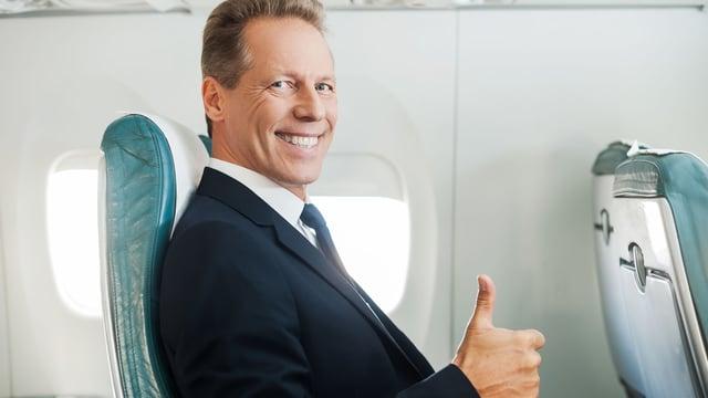 Vuelos a Roatán, volando solo en avión.jpg