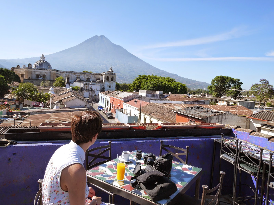 Vuelos a Belice, Café Sky Antigua Guatemala.jpg