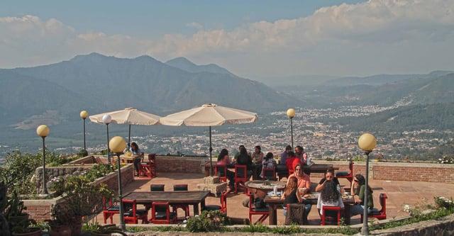 Vuelos a Belice, Cerro San Cristobal.jpg