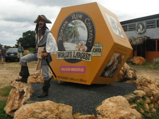 Vuelos a Roatan, Roatan Rum Company, West End.jpg