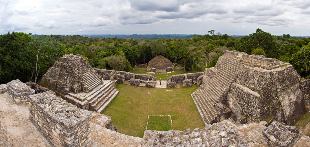 Vuelos a Tikal, El Caracol Belice.jpg