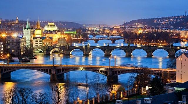 Vuelos a roatan, Praga.jpg