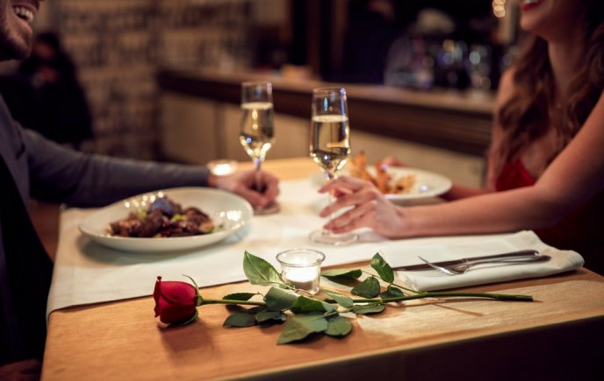 Vuelos a Roatán, romanticismo