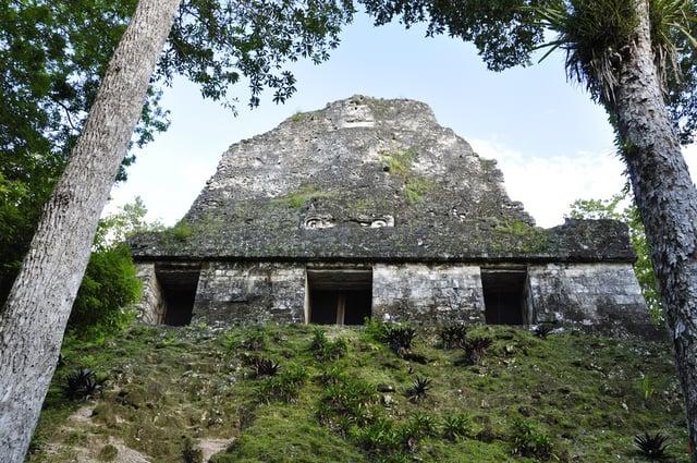 Vuelos a Tikal Templo VI.jpg