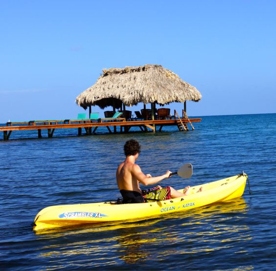 Vuelos a Belice Kayak Atolón Glover.jpg