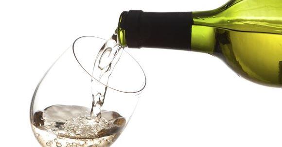 Vuelos a Belice, Vino blanco seco.jpg